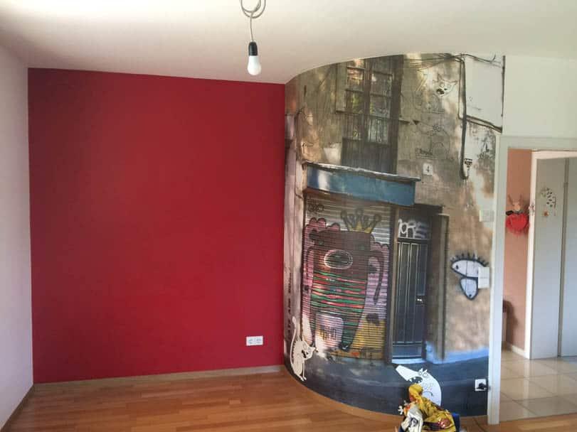 Fototapete an der gebogenen Wand und Magnetfarbe unter der rot gestrichenen Wand, Malerarbeiten in Süßen