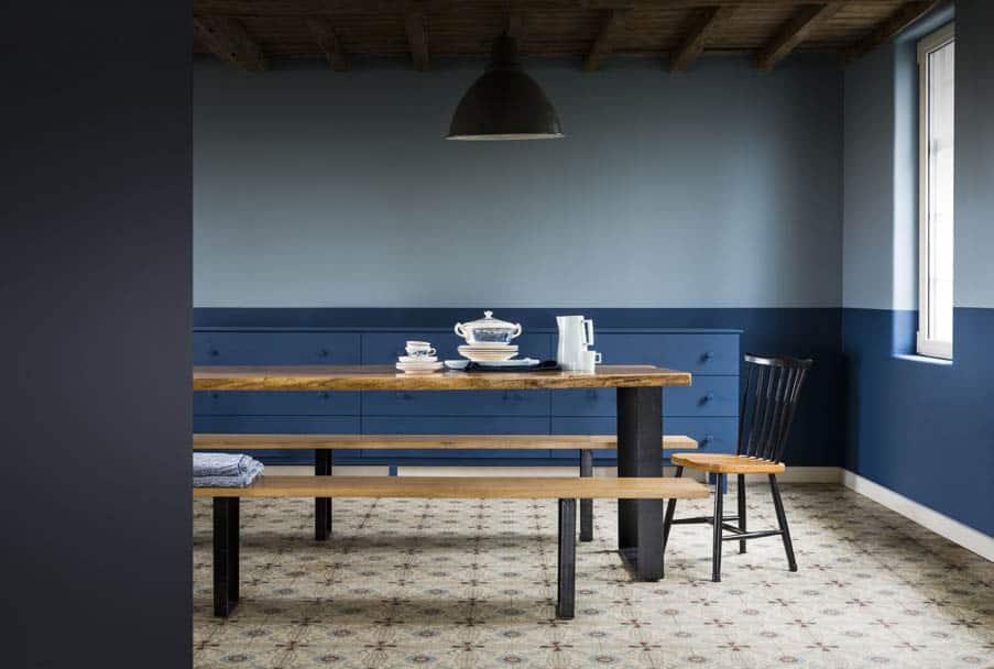 Farbe des Jahres 2017 - Küchenbereich mit blauer Wand