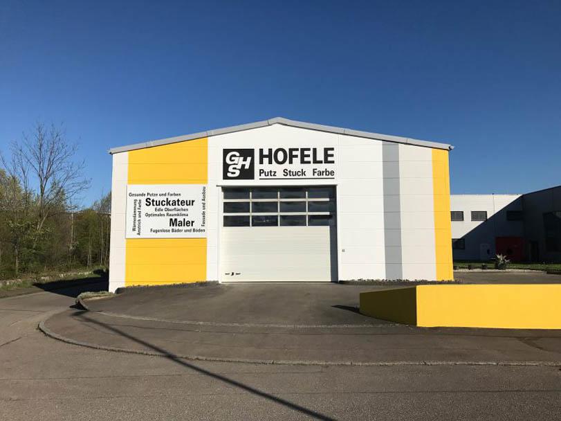 Fertige Fassade des Betriebsgebäudes von Hofele Stuckateur und Maler aus Süssen