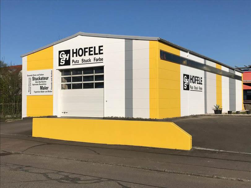 Fertige Fassade nach dem Anstrich des Betriebsgebäudes von Hofele Stuckateur und Maler aus Süssen