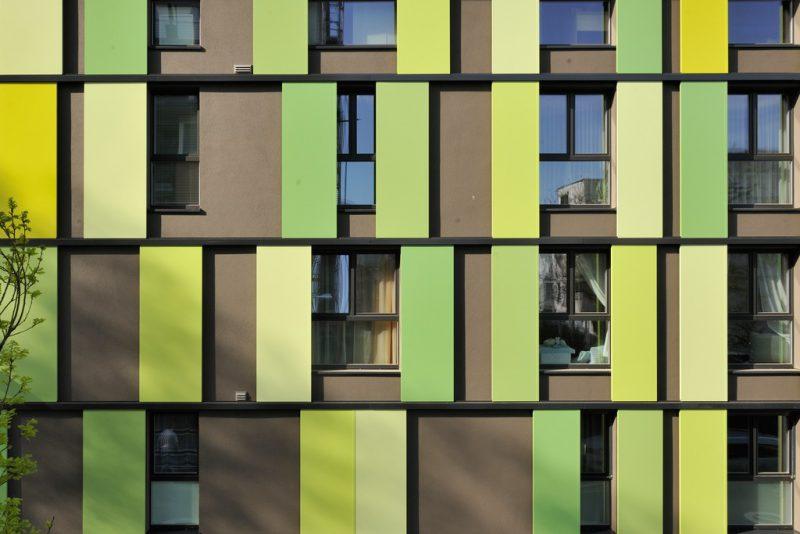 Fassade in Farbe gelb und grün - Hofele Stuckateur und Maler Süssen, Kreis Göppingen