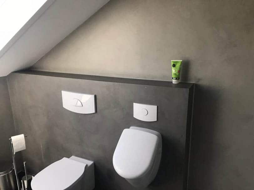 Badezimmer mit fugenloser Oberfläche