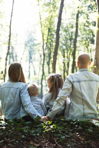 Gesundheit durch frische Luft im Wald.